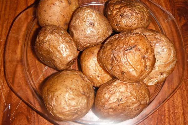 Картошка в мундирe